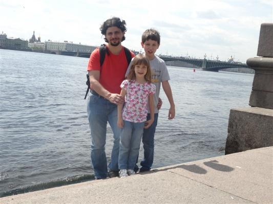 Alexander Kuznetsov et ses enfants