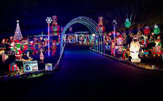 Petition save richardson family christmas lights display two people have created a lawsuit on the richardson family christmas light display in madison ms this light show has been around for almost two decades solutioingenieria Images